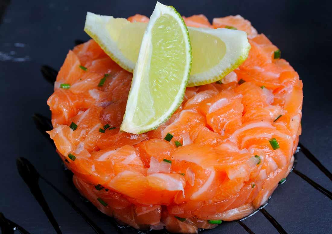 Tartare di salmone con limone